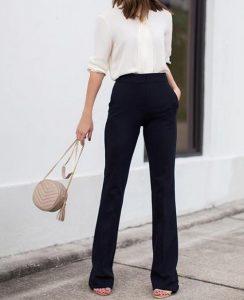 เสื้อสีขาวกางเกงดำสุภาพ