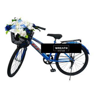 พวงหรีดจักรยานดอกไม้โทนสีฟ้าขาว